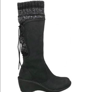 Ugg black suede leather gray knit boot size 7